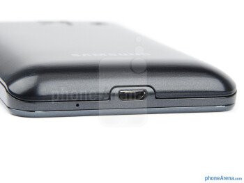 microUSB port (bottom) - Samsung Wave M Review