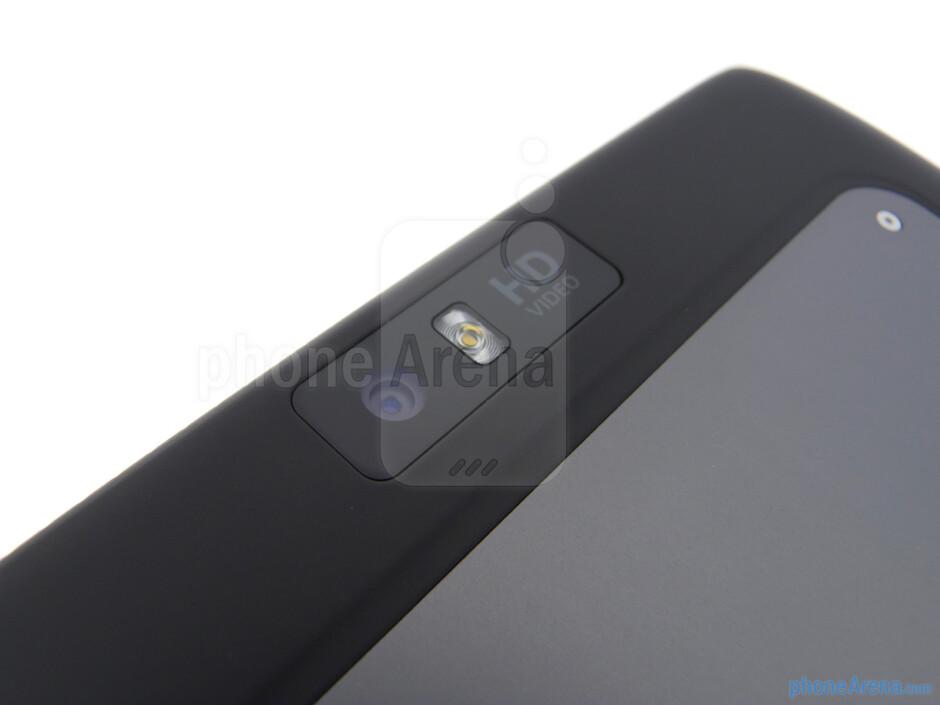 5-megapixel rear camera - Motorola DROID XYBOARD 8.2 Review