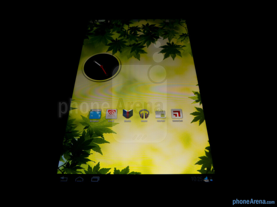 """The 8.2"""" IPS-enhanced HD display has decent viewing angles - Motorola DROID XYBOARD 8.2 Review"""