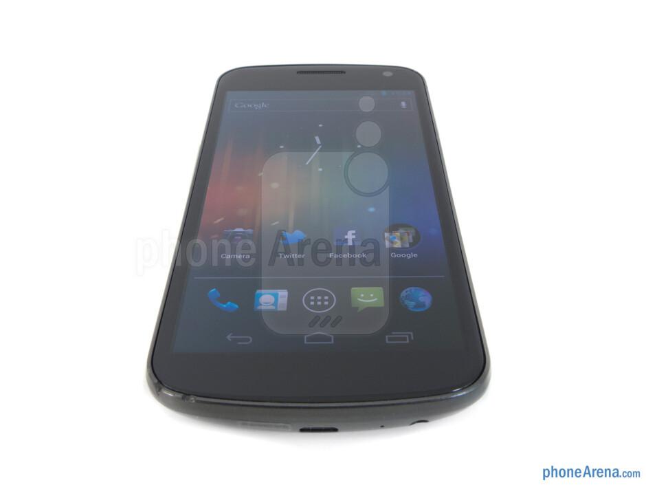 The Verizon Galaxy Nexus has wide viewing angles - Verizon Galaxy Nexus Review