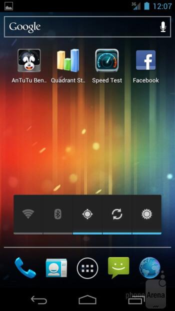 Android  Ice Cream Sandwich on the Verizon Galaxy Nexus - Verizon Galaxy Nexus vs Motorola DROID RAZR