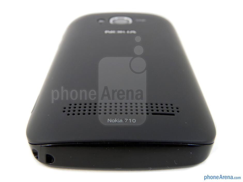 Speaker grill - Nokia Lumia 710 Review