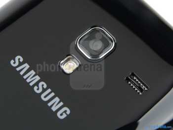 Camera with flash - Samsung Galaxy Ace Plus Review