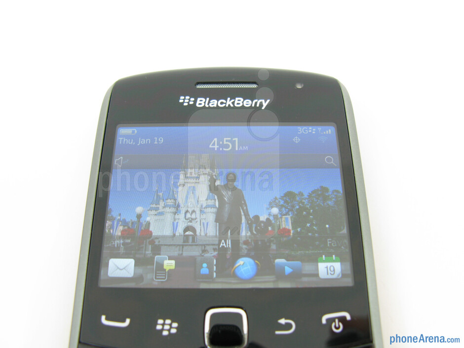 """The 2.44"""" TFT LCD display - RIM BlackBerry Curve 9370 Review"""
