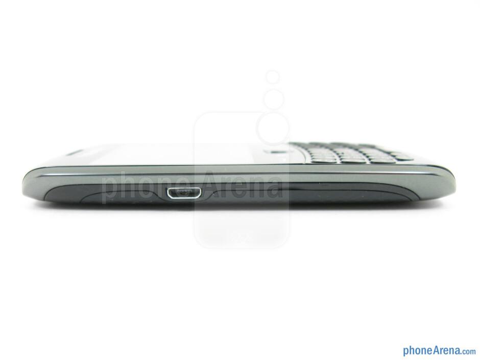 microUSB port (left) - RIM BlackBerry Curve 9370 Review