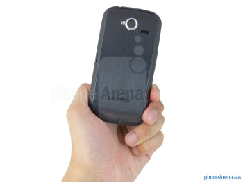 The Pantech Burst flaunts a design that's quite modern and appealing - Pantech Burst Review