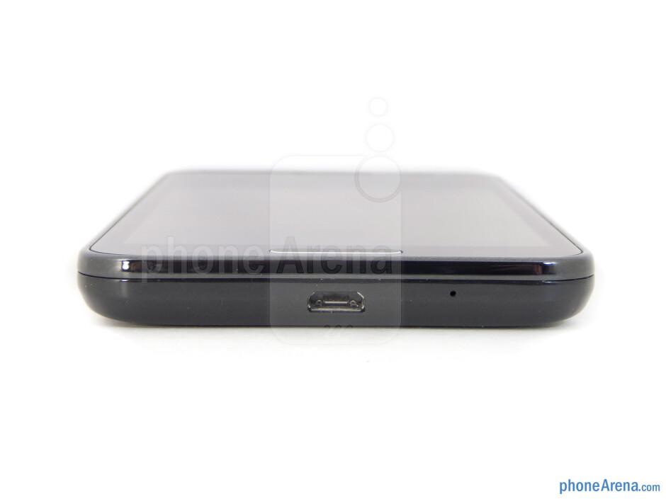 microUSB port (bottom) - Samsung Galaxy S II HD LTE Review