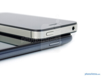 Power buttons - Samsung Galaxy Note LTE vs Apple iPhone 4S