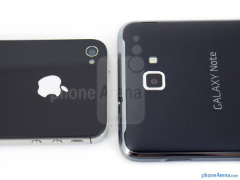 Rear cameras - The Samsung Galaxy Note LTE (right) and the Apple iPhone 4S (left) - Samsung Galaxy Note LTE vs Apple iPhone 4S