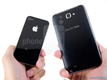 The Samsung Galaxy Note LTE (right) and the Apple iPhone 4S (left) - Samsung Galaxy Note LTE vs Apple iPhone 4S