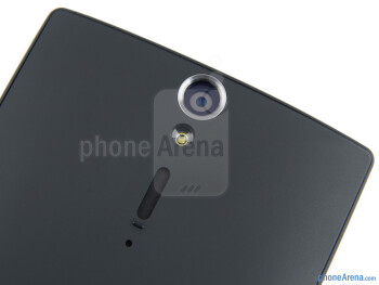 The camera and speaker on the Back - Sony Xperia S Review