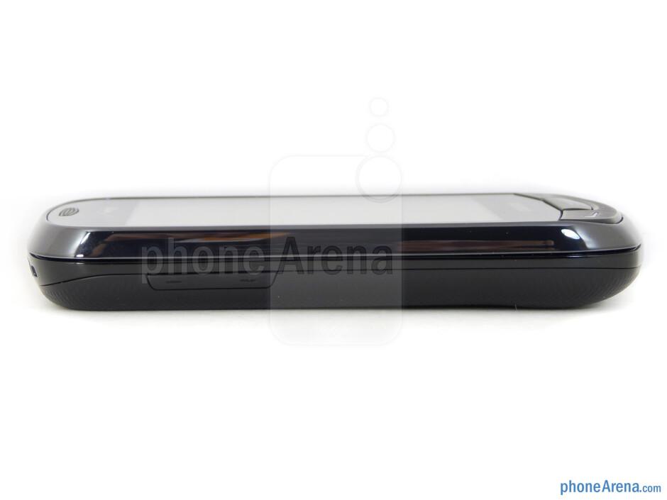 Volume rocker (left) - The sides of the Samsung Brightside - Samsung Brightside Review