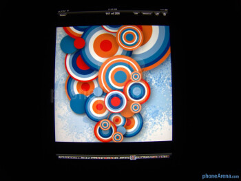 The IPS LCD panel is able to produce accurate looking colors - The new iPad (3) Review