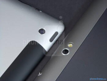 Rear cameras - The Apple iPad 3 (left) and the Samsung Galaxy Tab 10.1 (right) - Apple iPad 3 vs Samsung Galaxy Tab 10.1