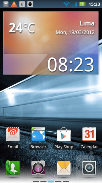 The Motorola MOTOLUXE runs the MotoSwitch UI on top of Android 2.3.7 - Motorola MOTOLUXE Review