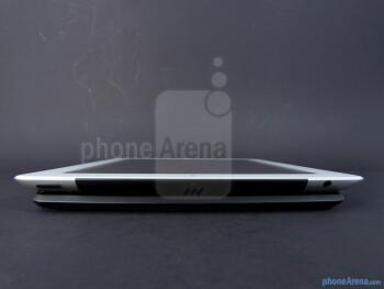 Apple iPad 3 vs Motorola DROID XYBOARD 10.1