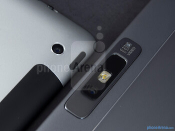 Rear cameras - The Apple iPad 3 (left) and the Motorola DROID XYBOARD 10.1 (right) - Apple iPad 3 vs Motorola DROID XYBOARD 10.1