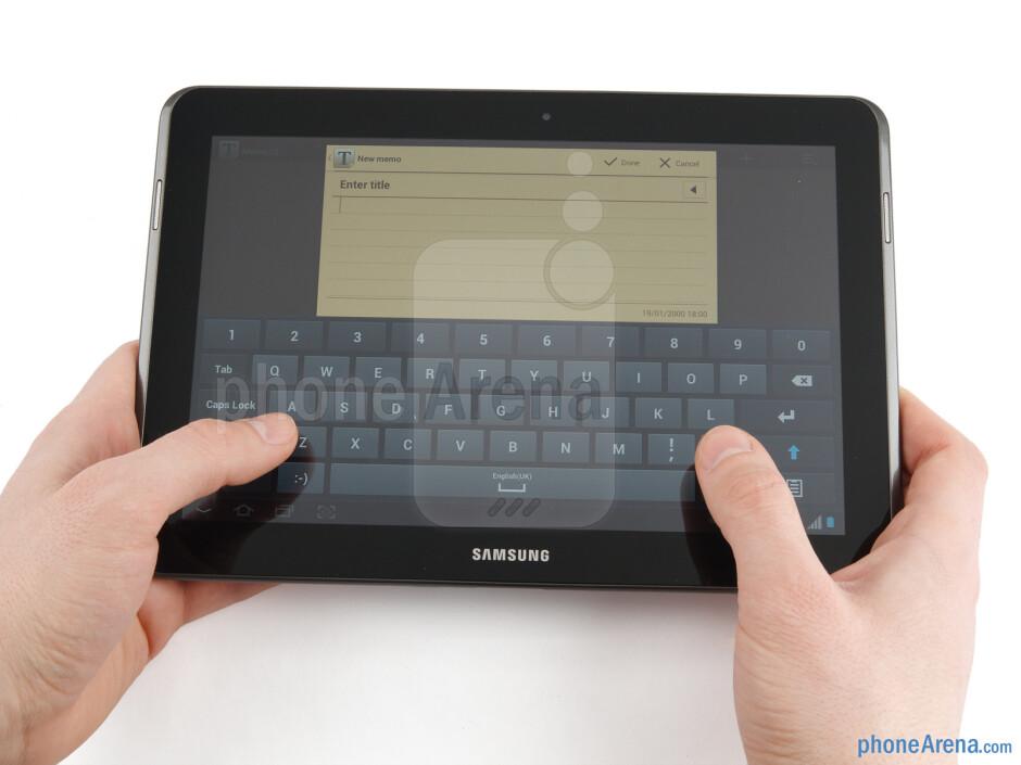 The Samsung Galaxy Tab 2 (10.1) sports an all-plastic construction - Samsung Galaxy Tab 2 (10.1) Preview