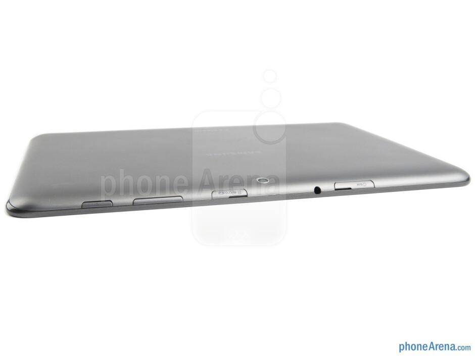 The top edge of the Samsung Galaxy Tab 2 (10.1) - Samsung Galaxy Tab 2 (10.1) Preview