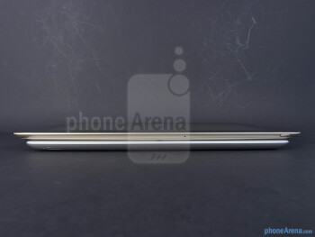 The sides of the Apple iPad 3 (bottom) and the Asus Transformer Prime (top) - Apple iPad 3 vs Asus Transformer Prime