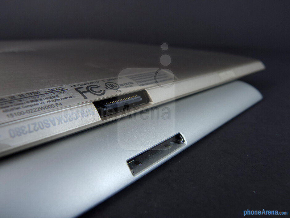 Connection ports - Apple iPad 3 vs Asus Transformer Prime