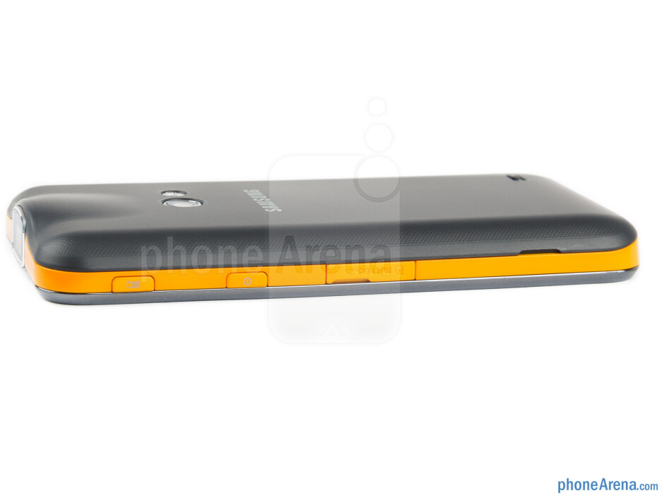 microSD card slot, projector and power keys (right) - The sides of the Samsung Galaxy Beam - Samsung Galaxy Beam Preview