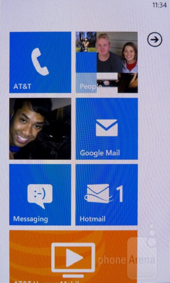 The interface of the Nokia Lumia 900 - Samsung Galaxy S III vs Nokia Lumia 900