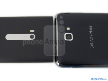 Rear cameras - The Nokia Lumia 900 (left) and the Samsung Galaxy Note LTE (right) - Nokia Lumia 900 vs Samsung Galaxy Note LTE