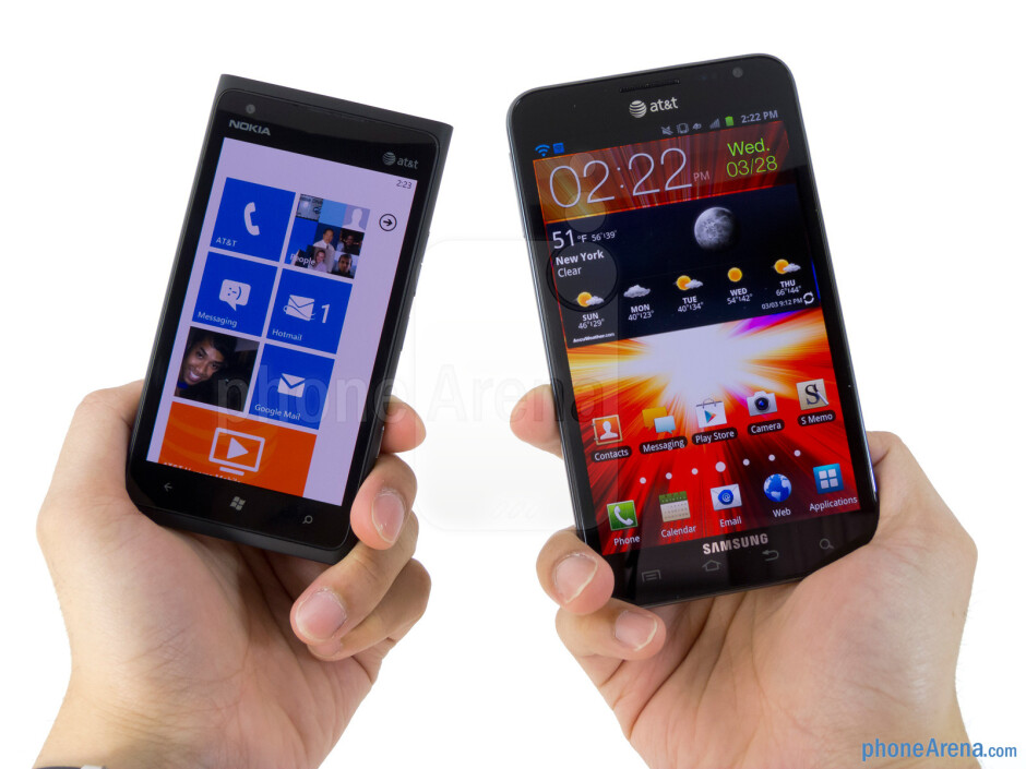 The Nokia Lumia 900 (left) and the Samsung Galaxy Note LTE (right) - Nokia Lumia 900 vs Samsung Galaxy Note LTE