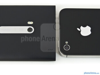 Rear cameras - Nokia Lumia 900 vs Apple iPhone 4S