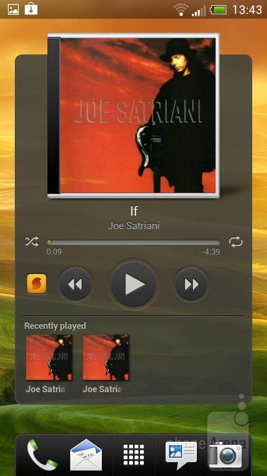 Both phones run the Sense 4.0 UI - HTC One X vs HTC One S