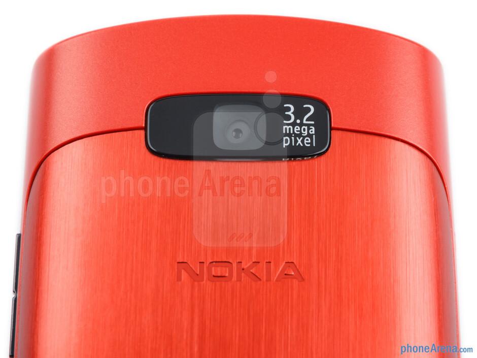 Rear camera - Nokia Asha 303 Review