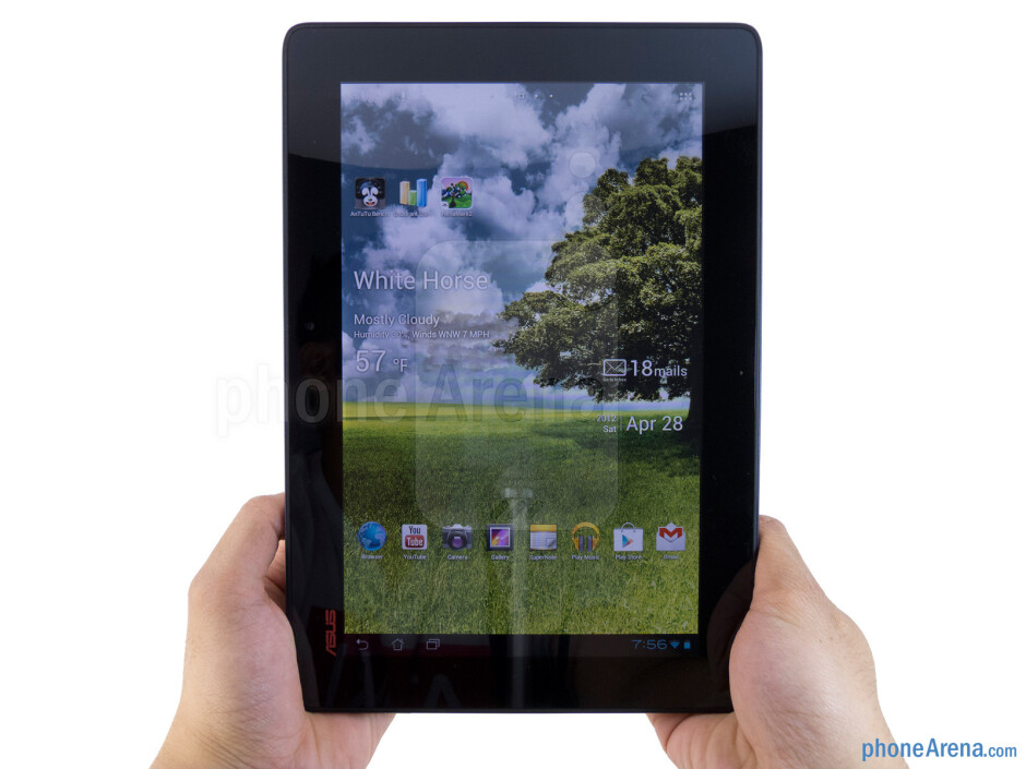 The Asus Transformer Pad 300 has a comfortable feel in the hand and solid construction - Asus Transformer Pad 300 Review