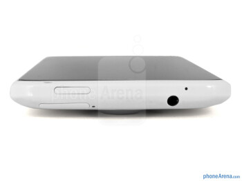 Power button and 3.5mm jack on the top - HTC One X for AT&T Review