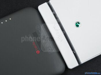 The HTC One X (left) and the Sony Xperia S (right) - HTC One X vs Sony Xperia S