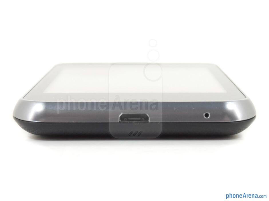 microUSB port (bottom) - The sides of the LG Optimus Elite - LG Optimus Elite Review