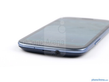 3.5mm jack  (top) - The sides of the Samsung Galaxy S III - Samsung Galaxy S III Review