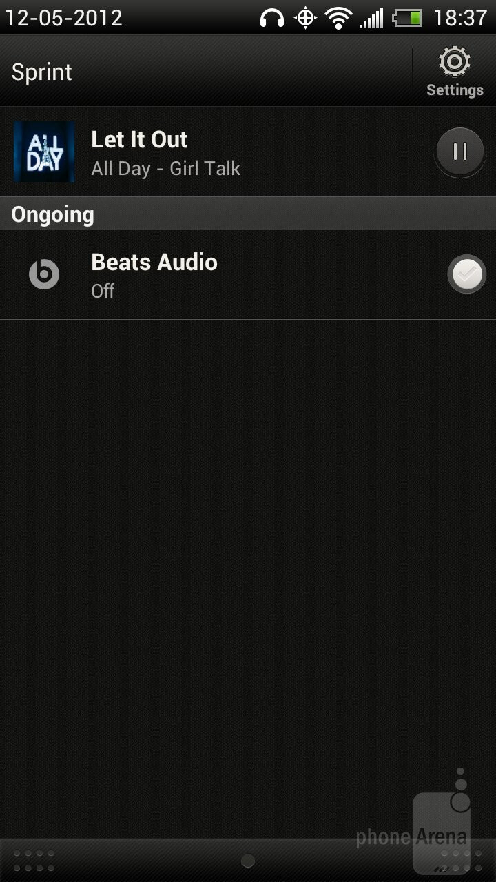 Music player of the HTC EVO 4G LTE - Samsung Galaxy S III vs HTC EVO 4G LTE