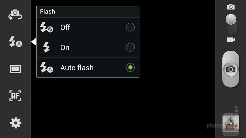 Camera interface of the Samsung Galaxy S III - Samsung Galaxy S III vs HTC EVO 4G LTE