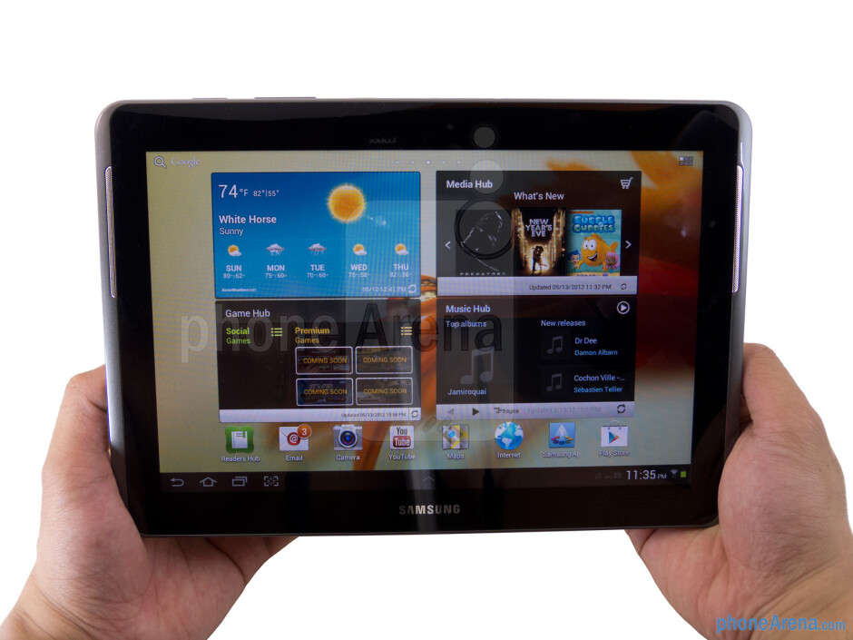 The Samsung Galaxy Tab 2 (10.1) sports a sturdy all-plastic build - Samsung Galaxy Tab 2 (10.1) Review