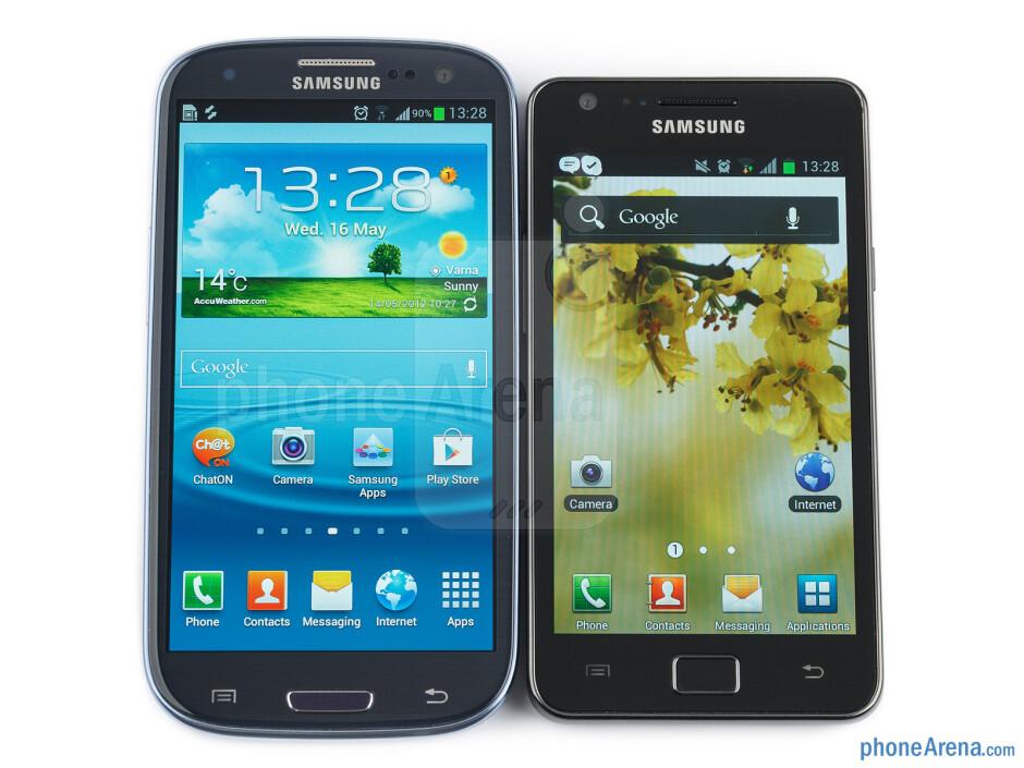 The Samsung Galaxy S III (left) and the Samsung Galaxy S II (right) - Samsung Galaxy S III vs Samsung Galaxy S II