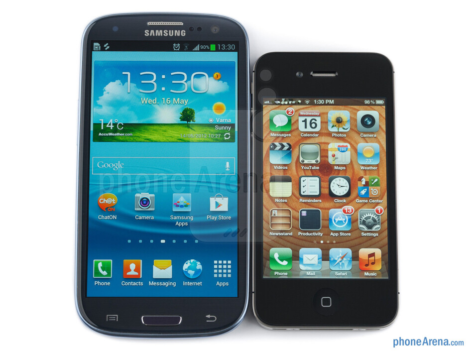 The Samsung Galaxy S III (left) and the Apple iPhone 4S (right) - Samsung Galaxy S III vs Apple iPhone 4S