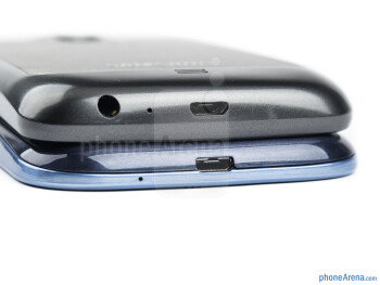 Bottom - The Galaxy S III (left and bottom) and Galaxy Nexus (right and top) - Samsung Galaxy S III vs Samsung Galaxy Nexus