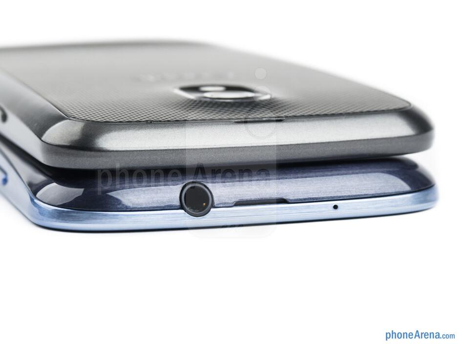 Top - The Galaxy S III (left and bottom) and Galaxy Nexus (right and top) - Samsung Galaxy S III vs Samsung Galaxy Nexus