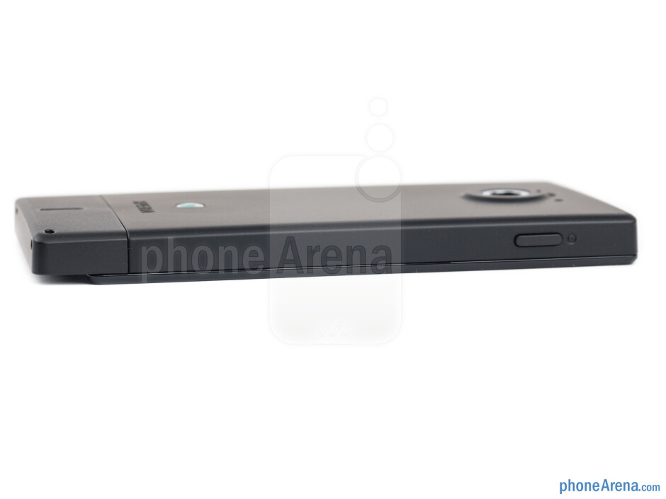 Left edge - The sides of the Sony Xperia sola - Sony Xperia sola Review