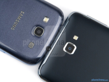 Rear cameras - The Samsung Galaxy S III (top, left) and the Samsung Galaxy Note (bottom, right) - Samsung Galaxy S III vs Samsung Galaxy Note