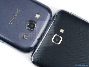 Rear cameras - The Samsung Galaxy S III (top, left) and the Samsung Galaxy Note (bottom, right) - Samsung Galaxy S III vs Samsung Galaxy Note