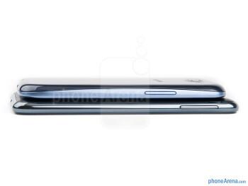 Left edges - The Samsung Galaxy S III (top, left) and the Samsung Galaxy Note (bottom, right) - Samsung Galaxy S III vs Samsung Galaxy Note