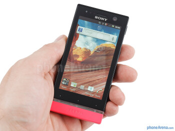 The Sony Xperia U is a breeze to hold and operate with one hand - Sony Xperia U Review