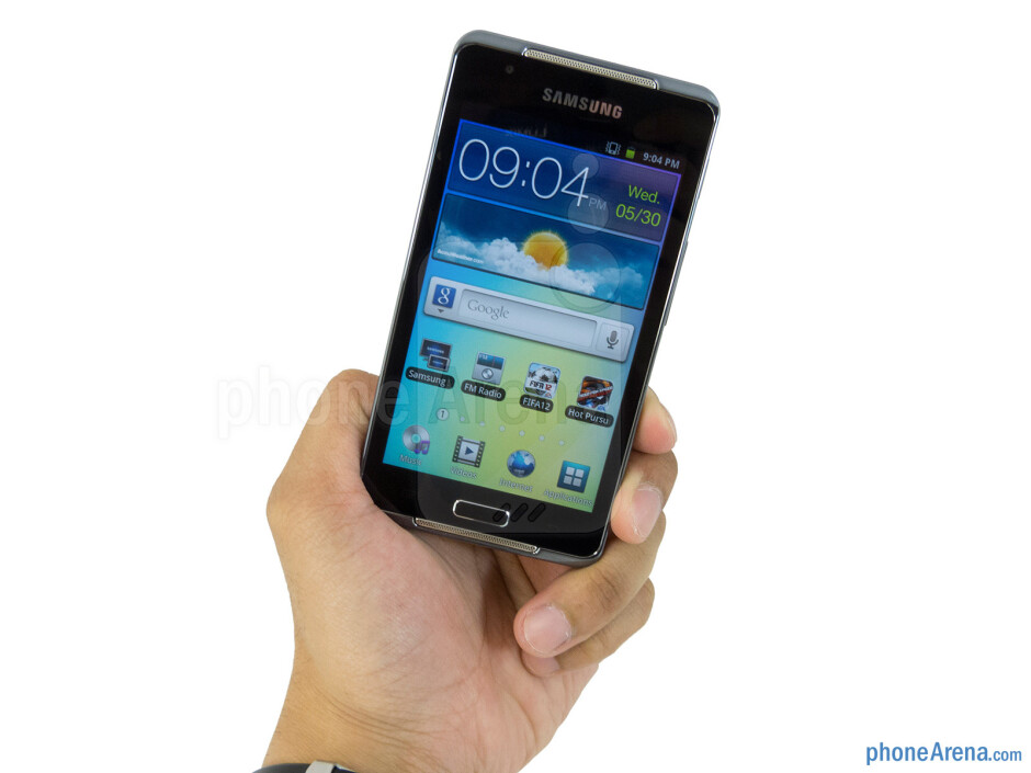 The Samsung Galaxy Player 4.2 has a solid build construction, lightweight feel, and streamlined body - Samsung Galaxy Player 4.2 Review